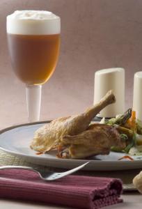 Foto de maridaje con cerveza lager extra y pollo