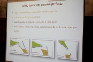 Como servir una cerveza