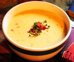 Sopa-crema de queso y cerveza
