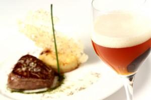 Cerveza de abadía y carne