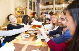 Cerveceo en un bar