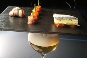 Cerveza y anchoa de cantabria
